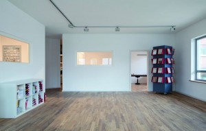 Auf 120 Quadratmetern beherbergt das Dämmzentrum viel Ausstellungs- und Informationsfläche sowie Schulungsräume.