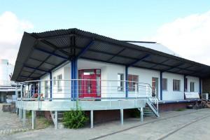 Vorbildcharakter: Das neue Gebäude wurde in Passivhausstandard mit hocheffizienter Wärmedämmung errichtet.